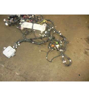 used jdm SUBARU WRX STI VERSION 7 ENGINE WIRING HARNESS DASH HARNESS.